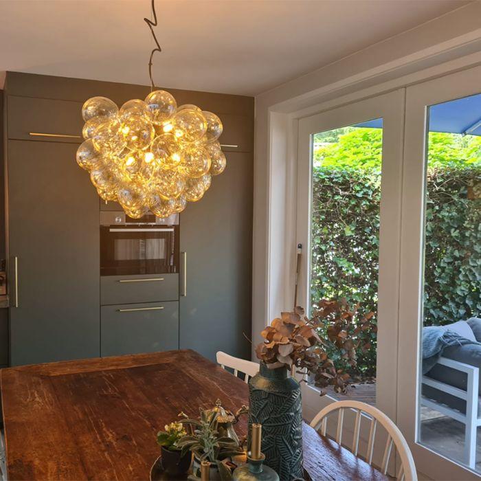 Lampă-suspendată-Art-Deco-neagră-cu-sticlă-8-lumini---Uvas