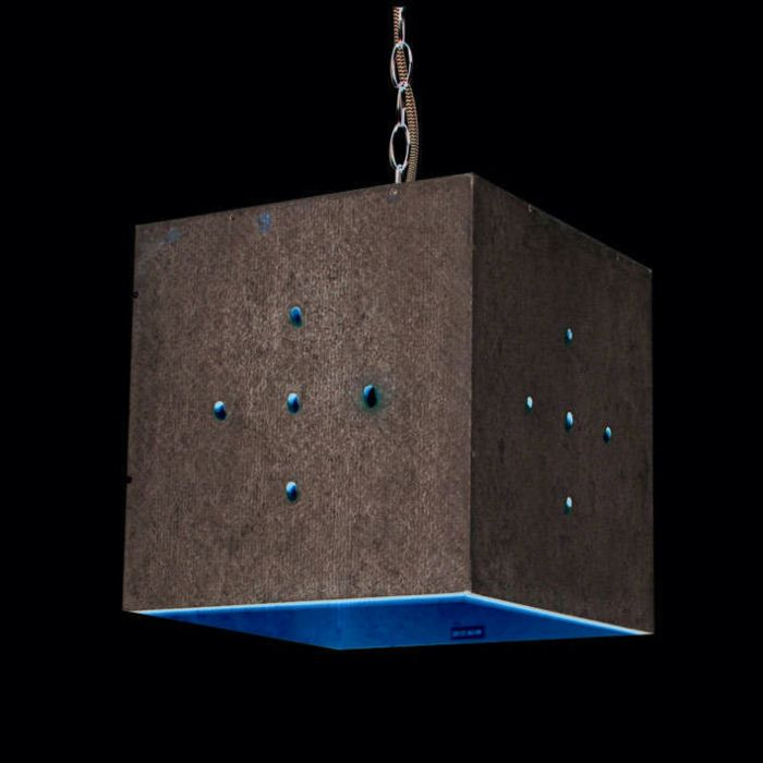 Lampă-suspendată-din-beton